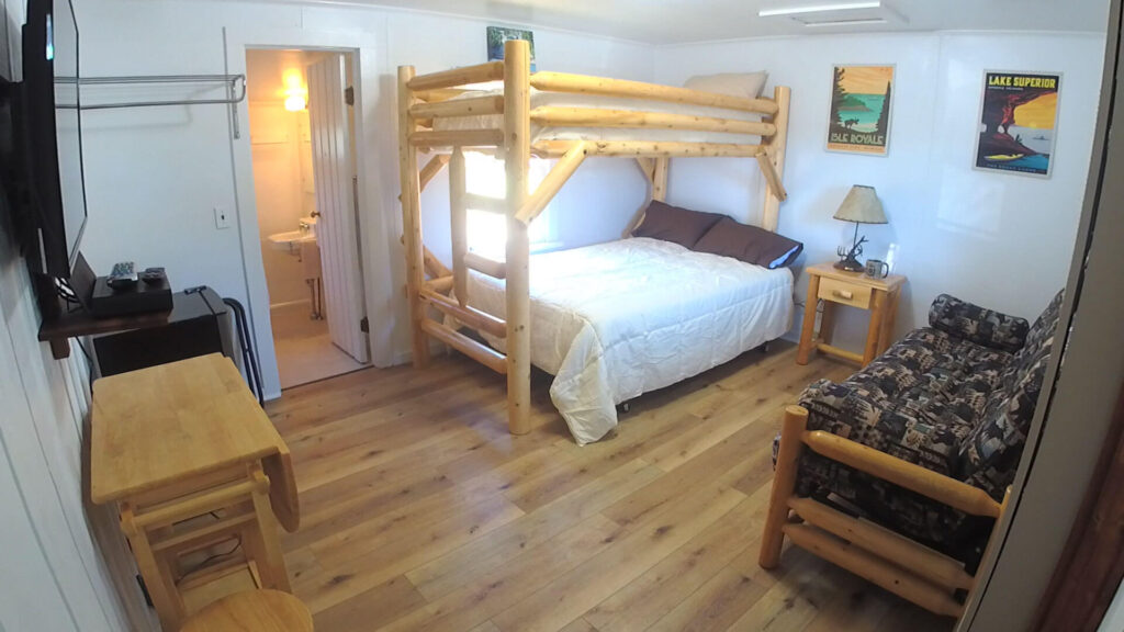 Paddlers-Inn-Room-4