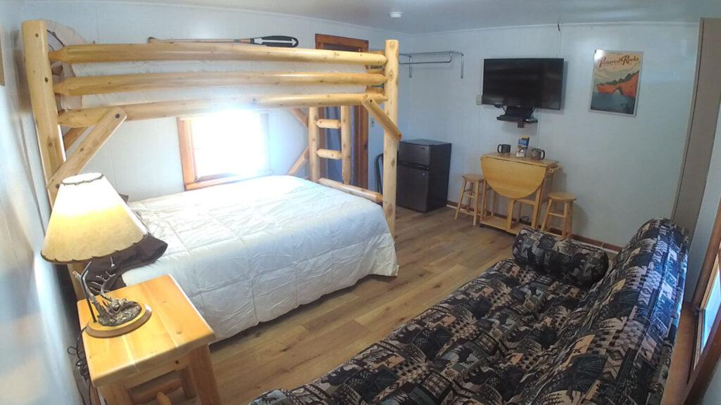 Paddlers-Inn-Room-6