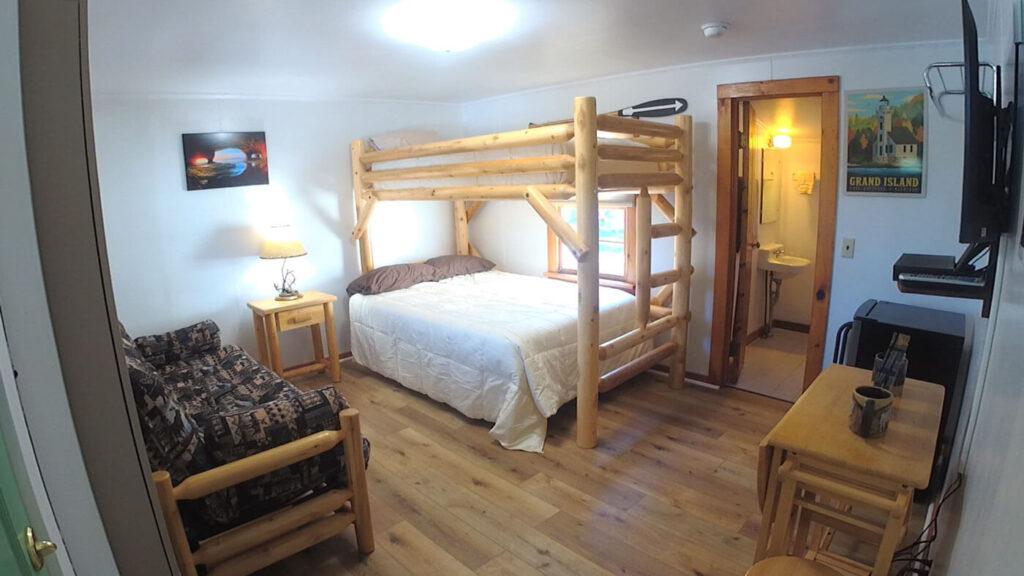 Paddlers-Inn-Room-7